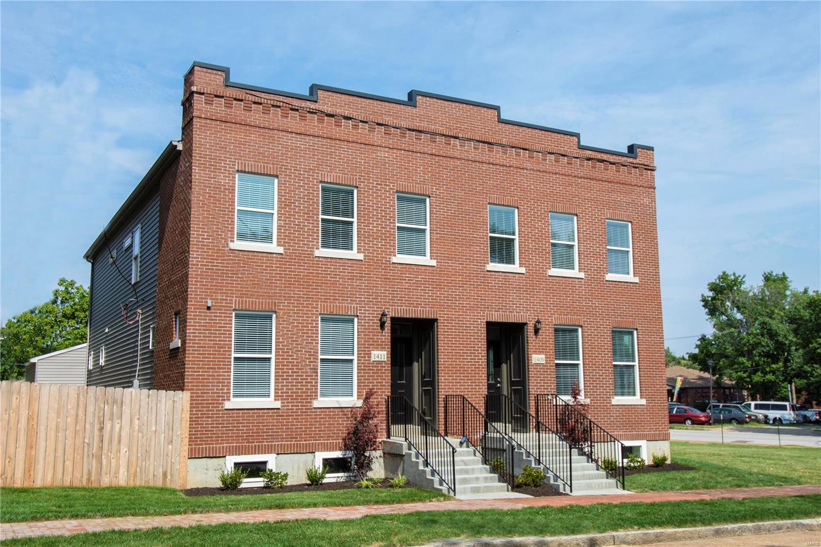 1402 Menard, St Louis, MO 63104