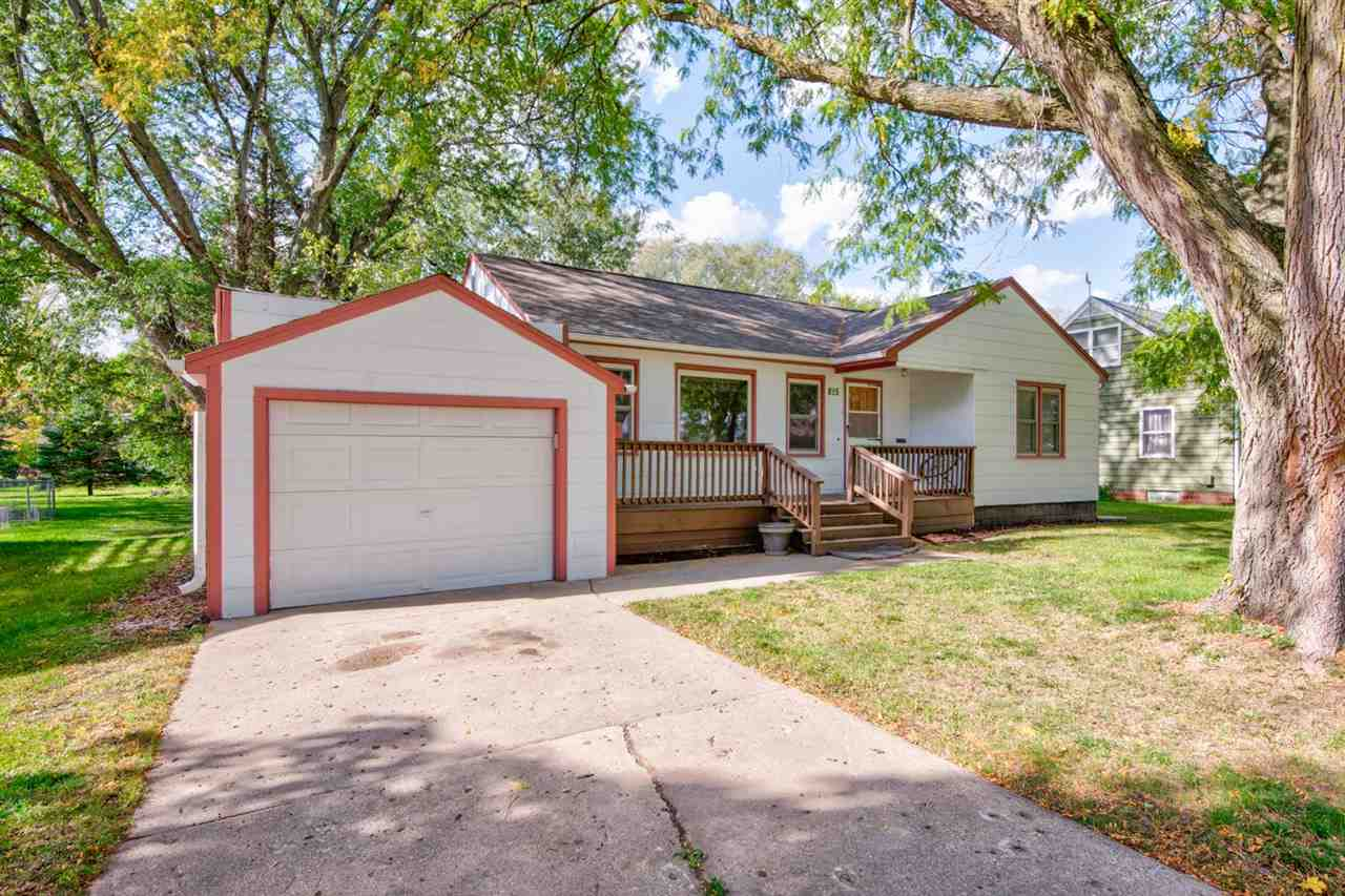 815 N 13th Street, Estherville, IA 51334