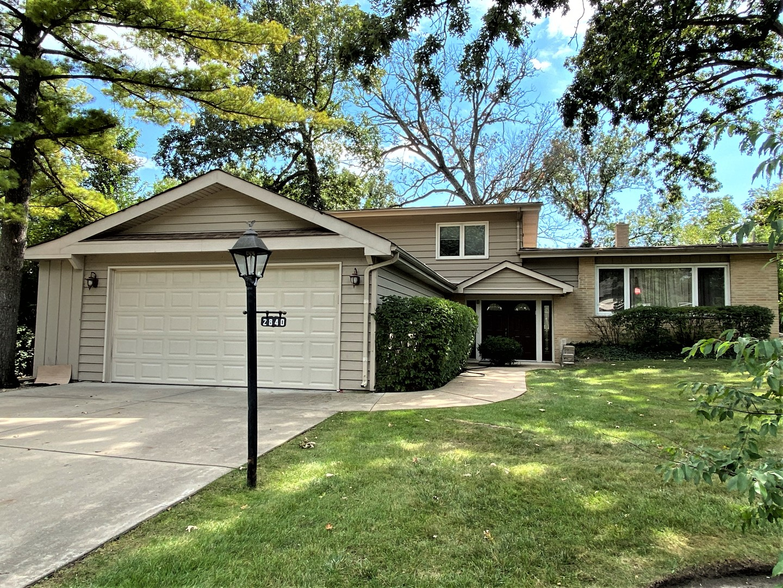 2840 Twin Oaks Drive, Highland Park, IL 60035
