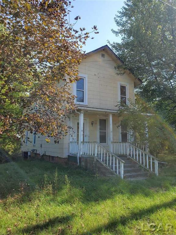 Bring your tools!  This is a fixer upper with equity built in.  Owner was going to do the work himself but has not had the time.  Check out this great opportunity.  Do not use the back balcony.