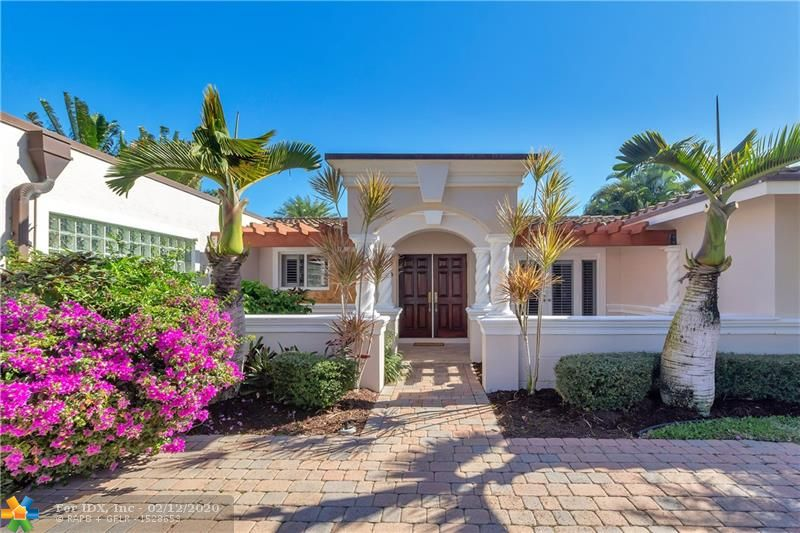 Rarely available  4 Bedroom Home in the desirable Cove area of Deerfield Beach.Panoramic views with intersecting canals off the Kingfisher Waterway. 90' of deep water, 300 yards from the Intracoastal, allows for serene outdoor private living. if you enjoy boating or just relaxing, come appreciate the privacy this Home affords. Heated pool, Jacuzzi, Pergola,20,000 lb. Boat lift with additional Davit lift for your Jet Skis. 15 minutes to the Boca or Hillsboro Inlets by boat. This is one of the more spectacular, private views you will find in all of Deerfield Beach.