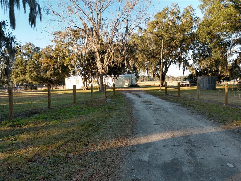 1915 West Highway 316, Citra, FL 32113