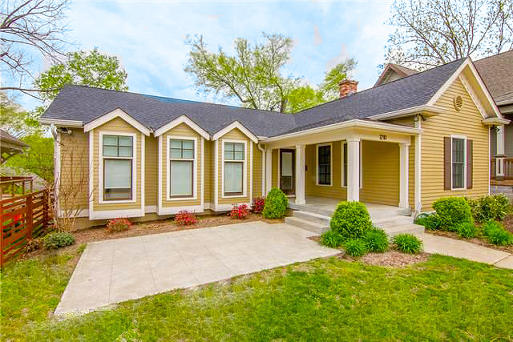 Stylish And Impeccable 3 Bedroom Cottage*Large Kitchen With All Stainless Appliances, Quartz Countertops*Grand Master Bath*Open Concept Contemporary With Great Outdoor Entertaining Space*Within Walking Distance To 5 Points, Martin's Grocery, Shoppes On Fatherland And All The Amazing Restaurants*This Is A Highly Desirable Street With Picturesque Homes* East Nashville At Its BEST!