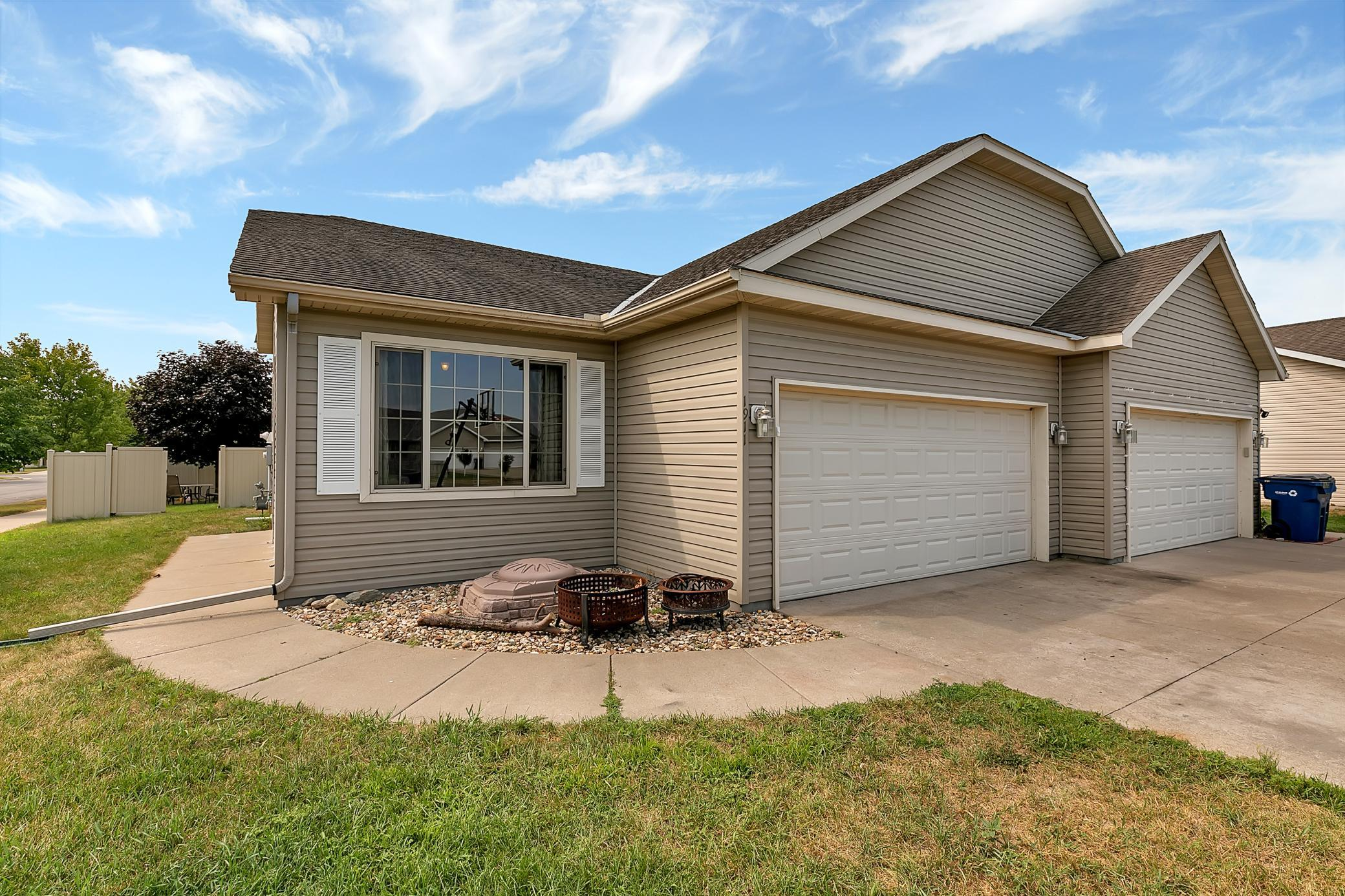 Privacy and space are abundant in this one-owner home. Fenced in yard. Large LL family room. Heated garage and plenty of parking. Deck for entertaining. Fully finished with some updates. LL is wired for audio/video components. Quick close available.