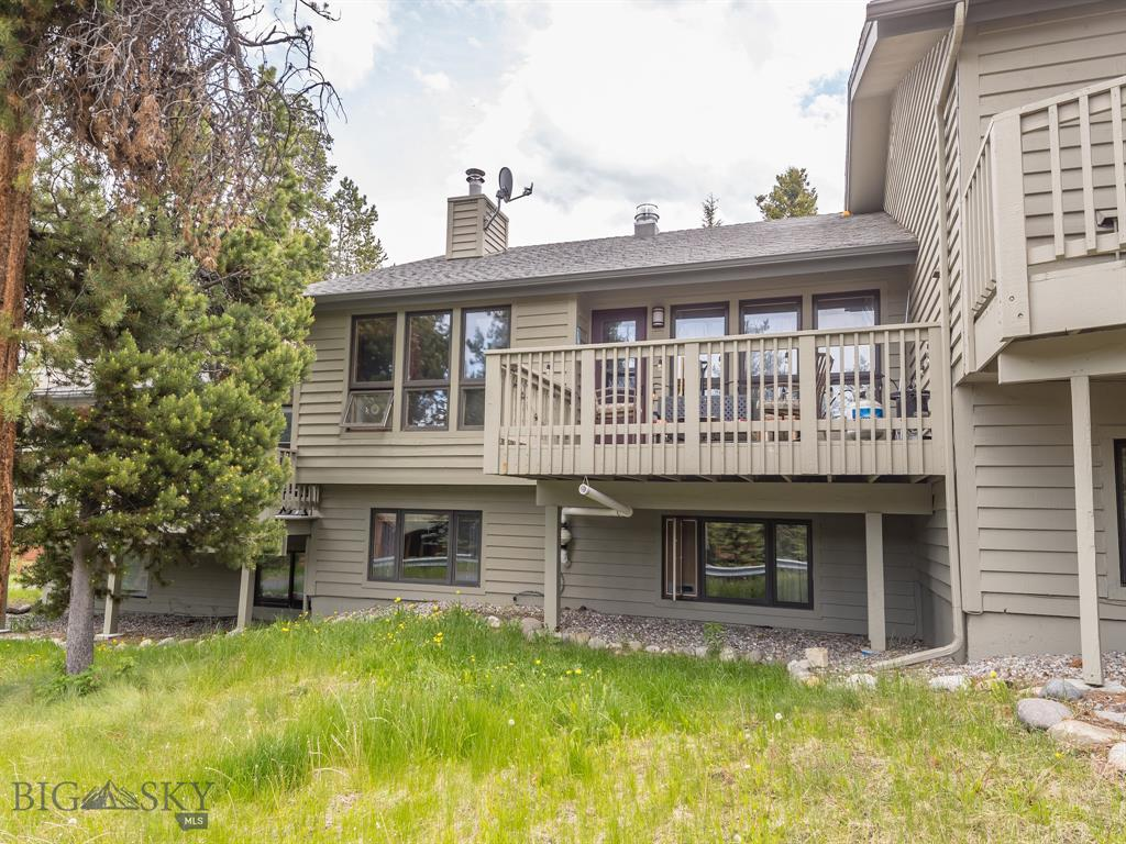Great location on this Hidden Village, middle unit with unobstructed view of Lone Peak. This unit has the preferred two level floor-plan with and open kitchen, dining and living room layout and full bathroom on the upper level. The lower level includes 2 bedrooms, full bathroom, and 2 bonus rooms. Association pool and hot tub too!