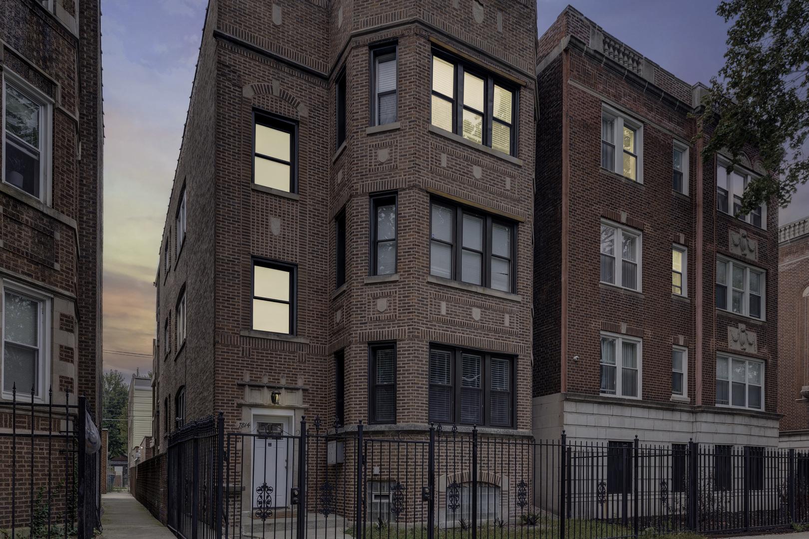 7814 S Phillips Avenue, Chicago, IL 60649