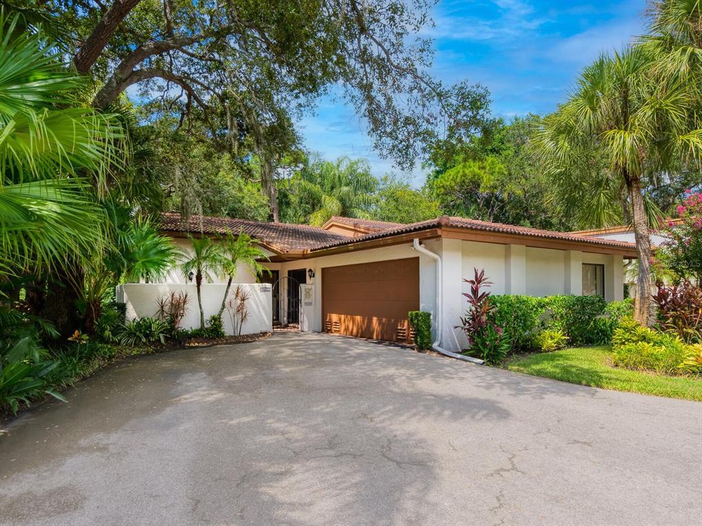 6407 Meadowlark Lane, Bradenton, FL 34210