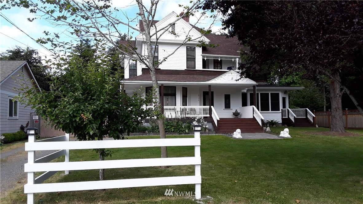 Victorian, 5 bedrooms 4 bath, Parlor, 3 fire places, formal dinning room, Double oven, all appliances stay. lots of history surrounding this home, 3300 Sq Ft, formal Office for business,  Raised stone Garden beds, Shop, Outbuilding, Deck, wrap around Porch, Fenced for Dogs, Asphalt R.V pad