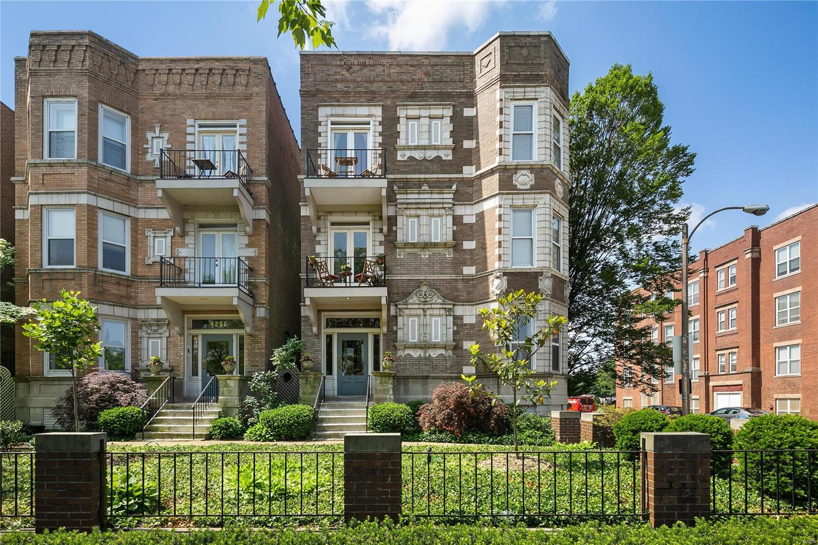 4260 Lindell, St Louis, MO 63108