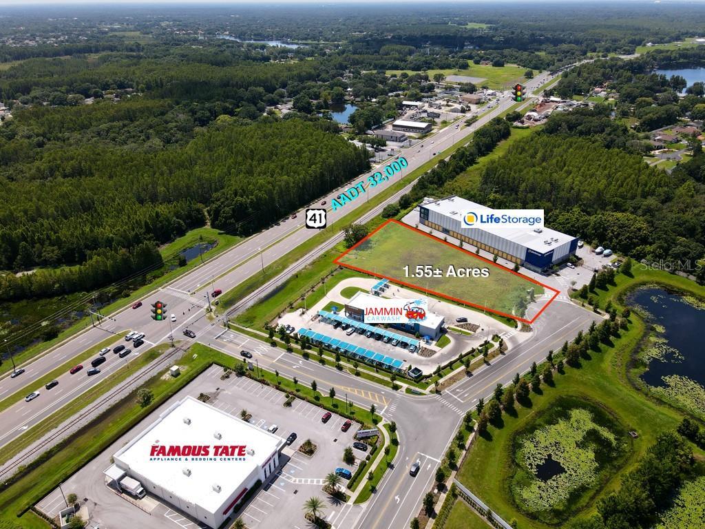 Walmart Way, Lutz, FL 33549
