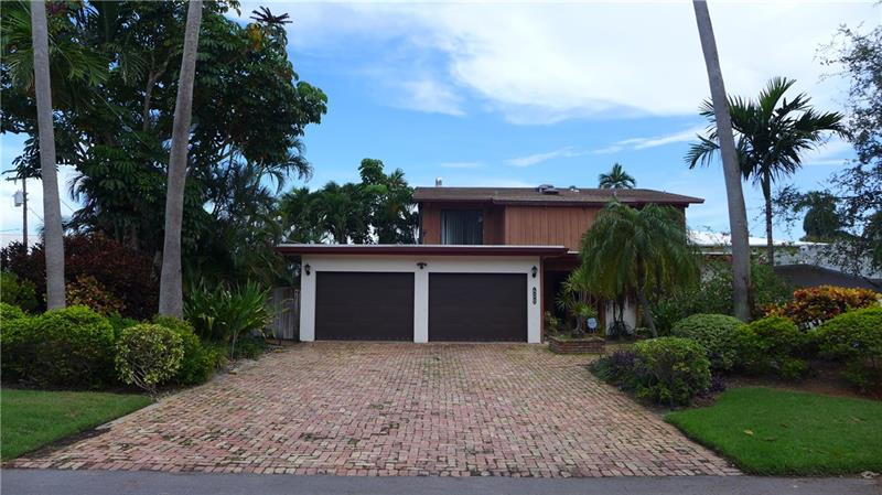 EAST FORT LAUDERDALE DEEP WATERFRONT PROPERTY. 3 BEDROOMS / 3 BATHROOMS / PRIVATE POOL / NEW DOCK / RESTORED SEAWALL / VOLUME CEILING IN LIVING ROOM  / UNIQUE EXPANDABLE VICTORIA PARK HOME - SCHEDULE A SHOWING TODAY!