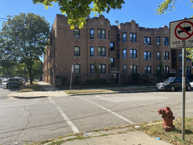 1651 E 74th Place, Chicago, IL 60649