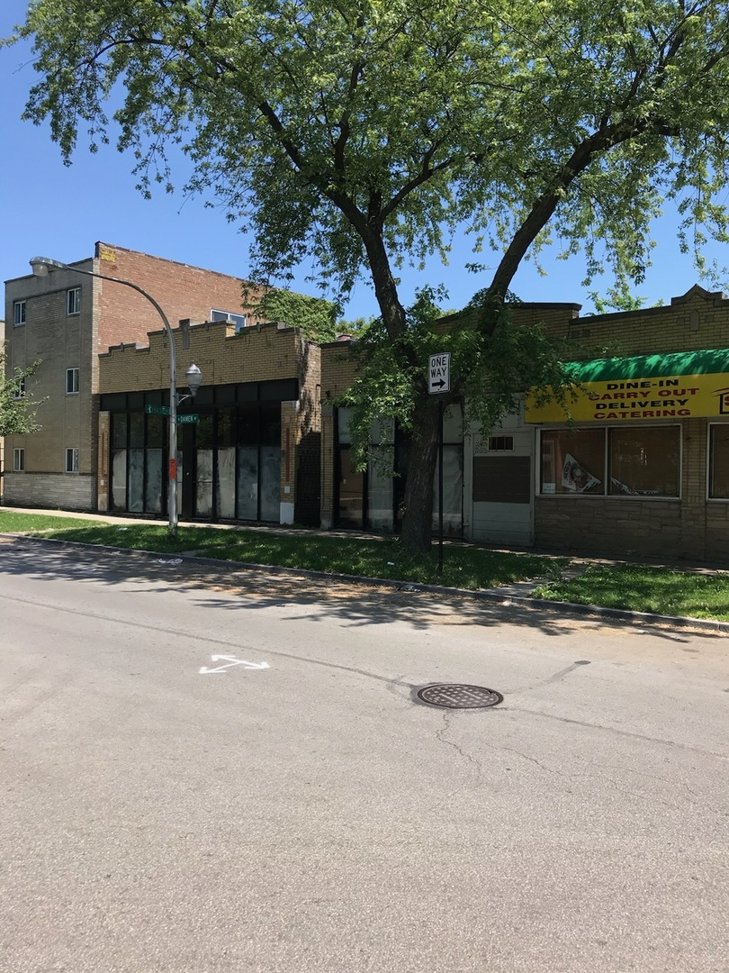 7300 N Rogers Avenue, Chicago, IL 60626