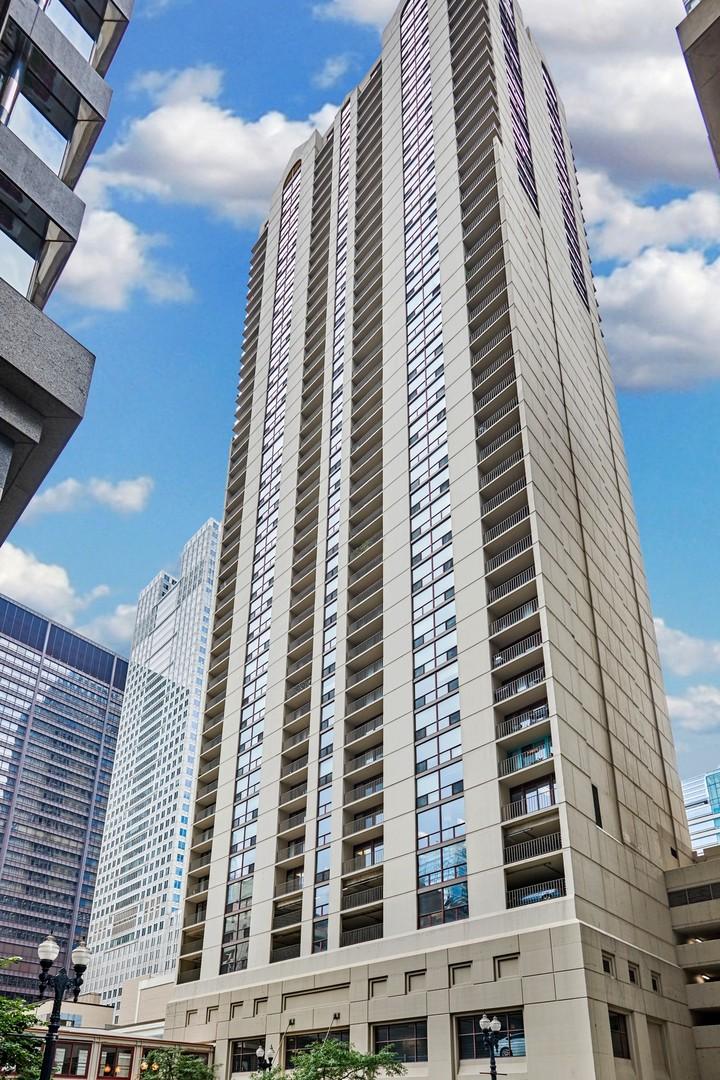 200 N Dearborn Street 4700, Chicago, IL 60601