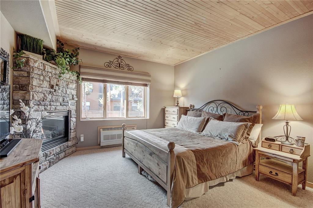 Lowest priced condominium in Keystone Resort. Ground floor location at east end of building. Pool, hot tubs and a fitness room. Underground parking. Walk to River Run or take the Keystone shuttle anywhere in the resort. King bed, gas fireplace and sleeper sofa make this the perfect mountain retreat. Exterior siding recently remodeled.