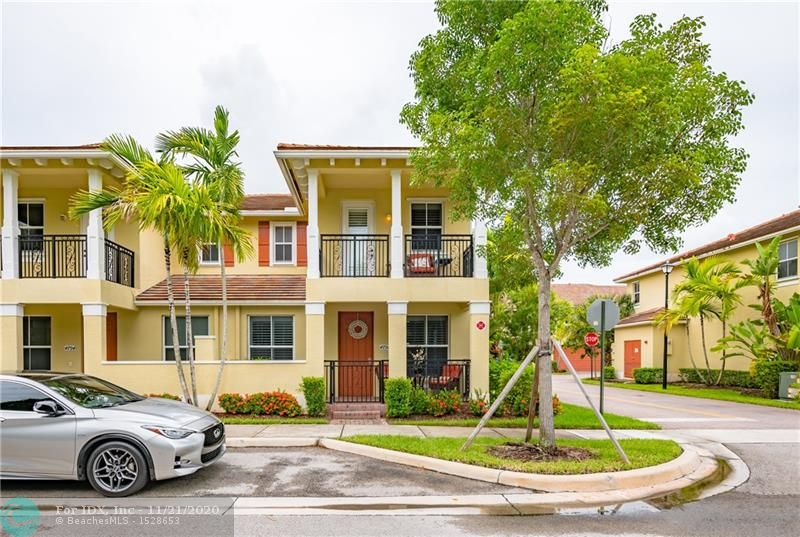 WOWZER!!!! 3 BEDROOM 2.5 BATHS 2 CAR GARAGE, SPACIOUS TOWNHOME IN COCONUT CREEK, ACROSS FROM THE PROMENADE, CLOSE TO THE SAWGRASS EXPRESSWAY. THIS UNIT WAS UPGRADED BY THE BUILDER. GATED COMMUNITY. LOW HOA FEES. UNIT SHOWS GREAT.