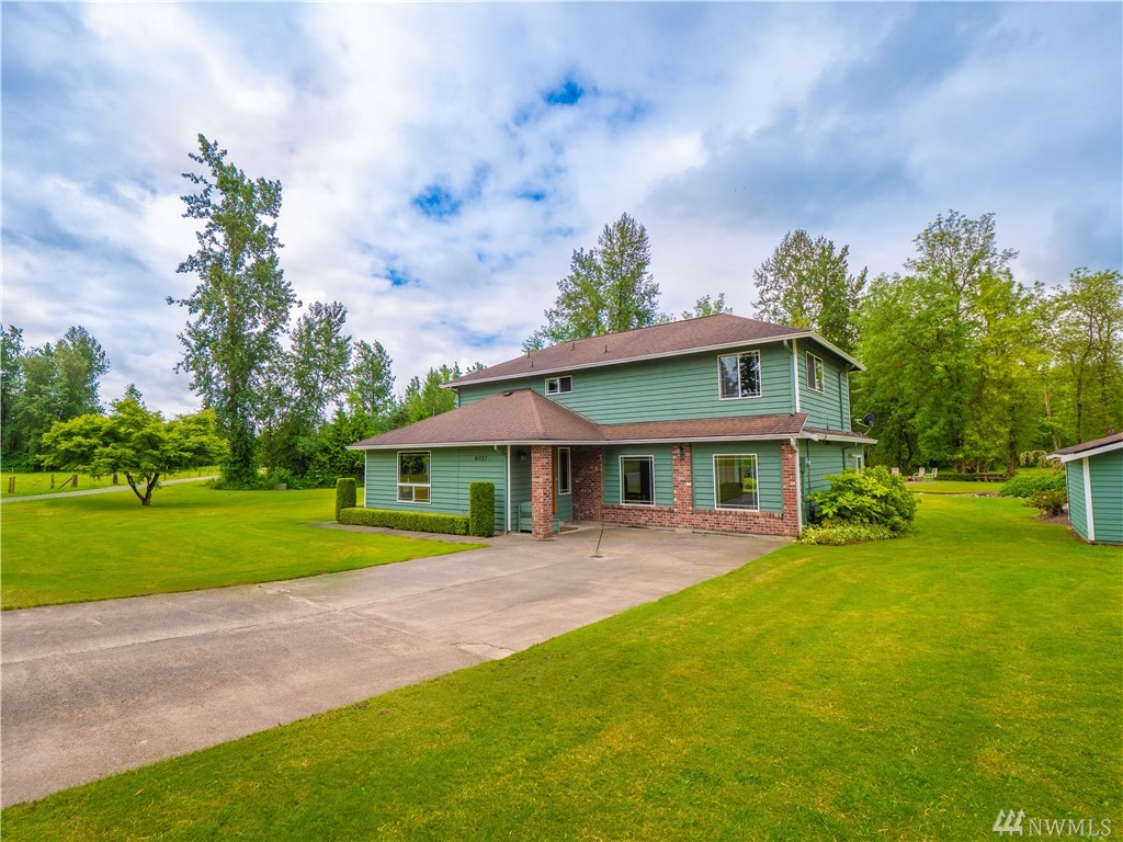 Thoroughly updated 2,520 sq ft 3 bed, 2.25 bath home on a private shy 5 acre Enumclaw parcel. Hickory kitchen w/ slab granite counters, bar seating, SS appliances & garden view corner window. Owner's suite w/ custom tile shower & granite vanity. New LVP flooring & knotty Alder doors/millwork. Living w/ pellet stove inset, dining rm, family rm & large bonus room w/pan ceiling & tons of natural light. Forced air heat w/ heat pump & central AC. Fully finished 30' x 40' detached 3-bay shop/garage.