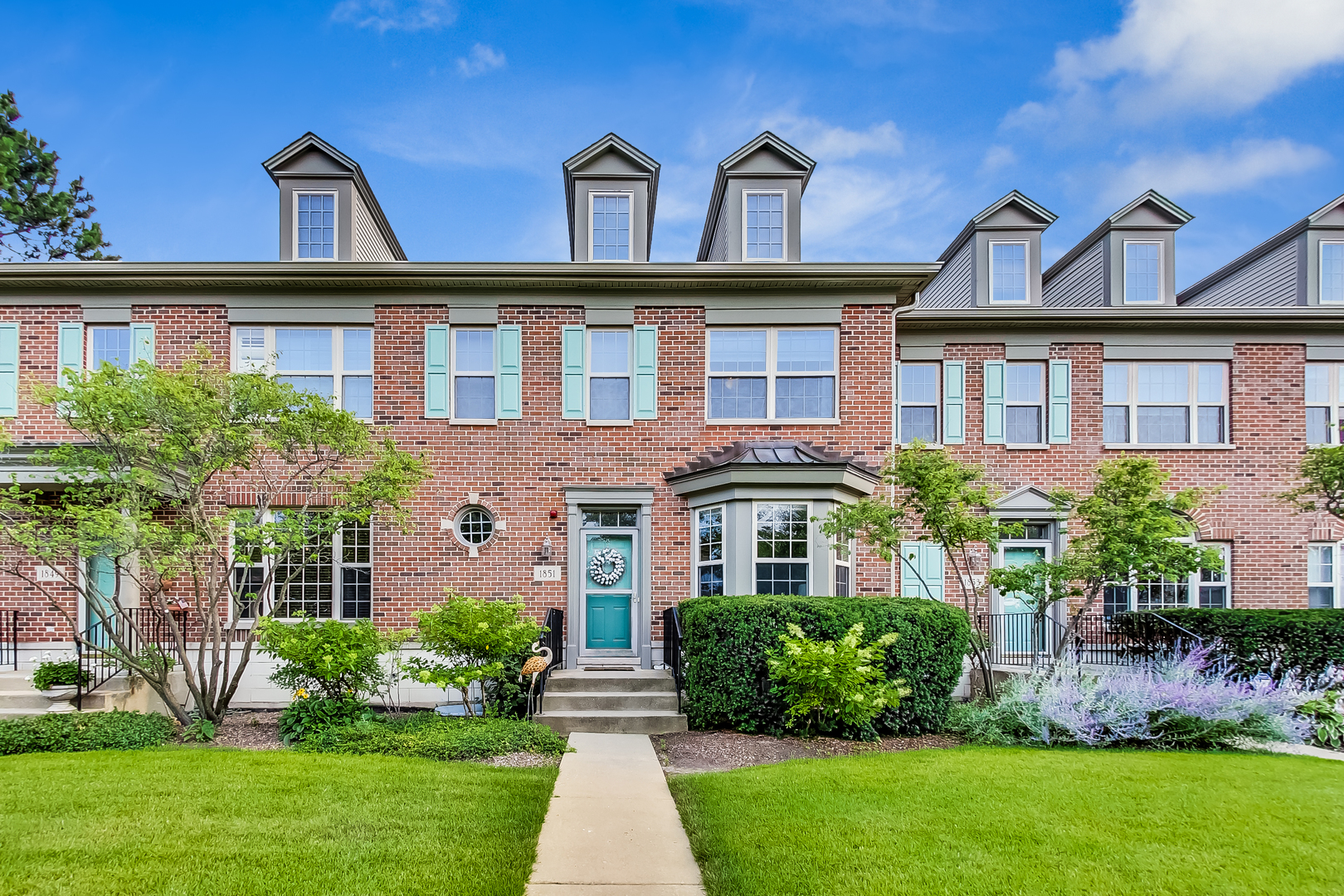1851 Westleigh Drive, Glenview, IL 60025