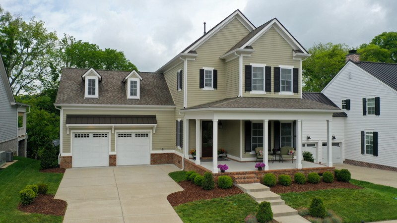Located perfectly in the coveted, boutique Allenwood subdivision with only 13 upscale homes, this private cul-de-sac is just up the street from the school! This custom, like-new home boasts an open floor plan, a huge Chef's kitchen w/high-end s/s appliances, double-oven, and gas stove. Enjoy your morning on the generous front patio or steal away to the privacy of your rear covered porch. The builder spared no expense with crown molding throughout, 10-foot ceilings, and a luxurious master suite.