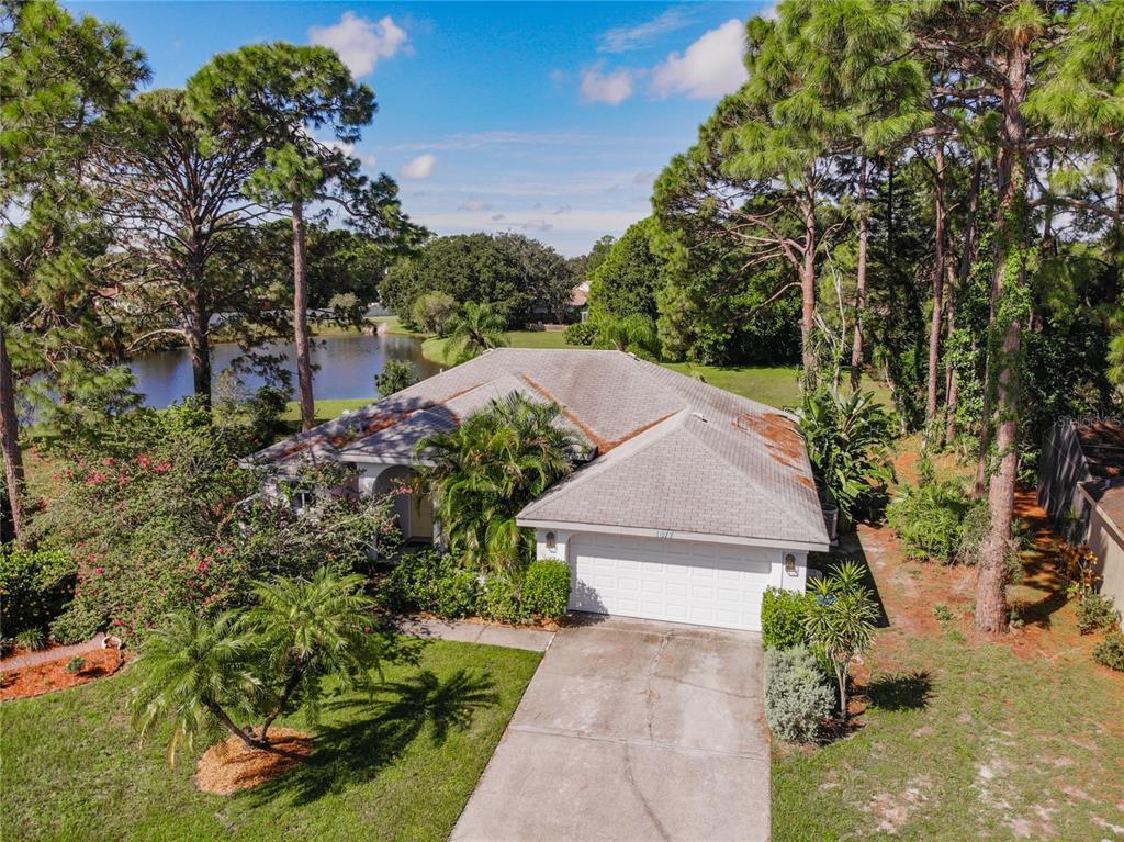 1877 Wood Hollow Circle, Sarasota, FL 34235