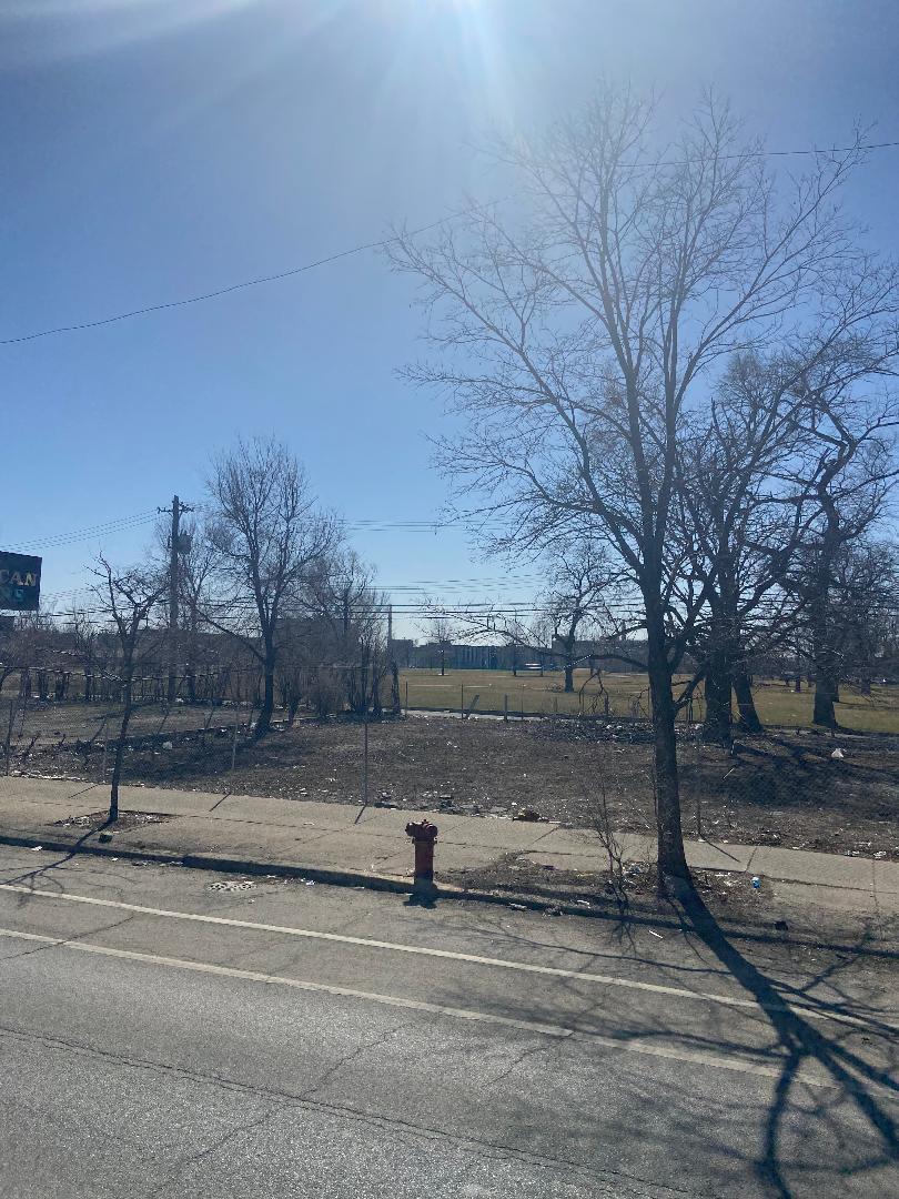 1529 W Roosevelt Road, Chicago, IL 60608