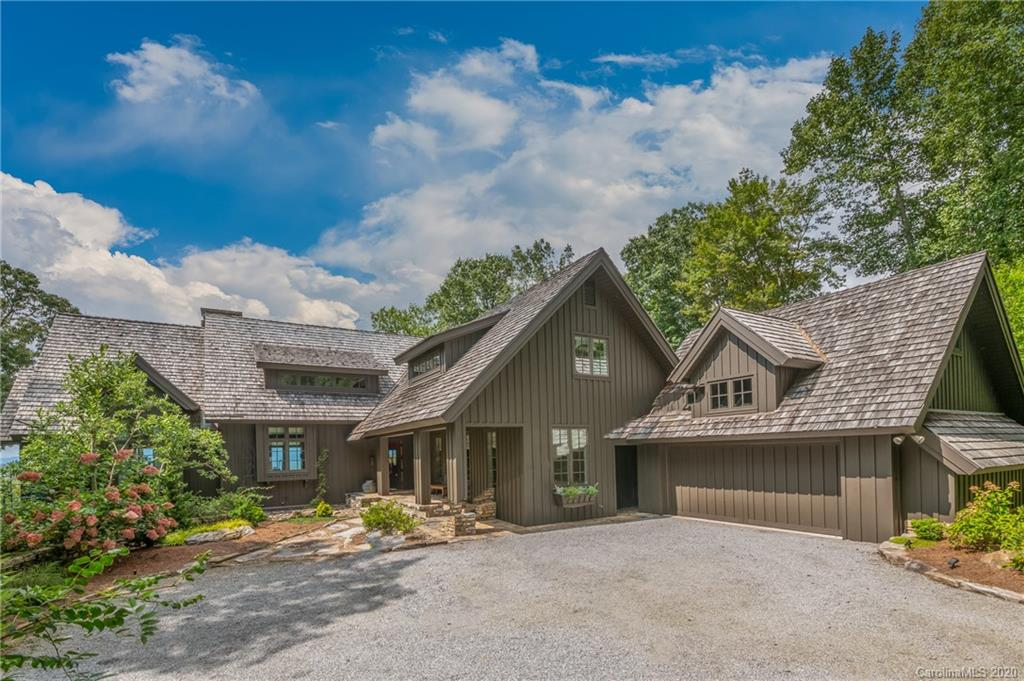 55 Armour Court, Hendersonville, NC 28739