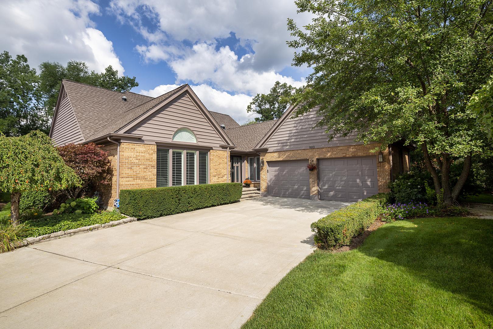 980 Villas Court, Highland Park, IL 60035