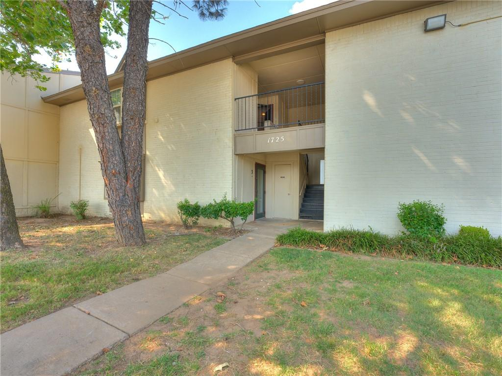 Great 2 bedroom, 2 bath spacious condominium for sale in Norman, with abundant natural light!  New carpet throughout and new paint. Very clean! Spacious living area with fireplace. Dining area. Private enclosed balcony. Big and spacious kitchen with refrigerator, microwave and range. Plus area with your own newer washer and dryer.  This unit has lots and lots of storage, wonderful walk in closets in the bedrooms plus 3 extra closets, plus an extra locked storage area for bikes etc. The pool area is beautiful and will be your perfect place to relax. HOA includes water, garbage, sewer and takes care of the pool, outside maintenance and insurance on the Structure. Parking is on front of the units.   All these... Near OU campus, close to restaurants, shops and grocery stores. Plus easy access to I-35, Tinker AFB and Oklahoma City. This perfect condominium would make a lovely home for you or a great addition to your investment portfolio.