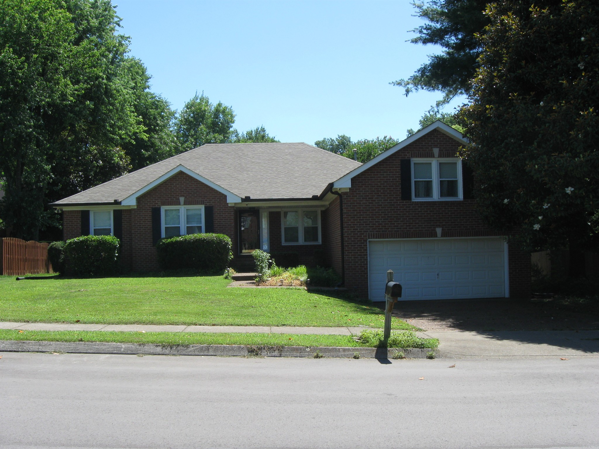 Nicely Renovated All Brick Home Close to Downtown Franklin~Large Private Back Yard~ Completely Renovated Kitchen & Baths w/ White Cabinets~All New Windows~New HVAC~New Hot Water Heater~New Gutters~Bright & Open Main Level Living w/ Large Bonus Over Garage! Quick Close possible!