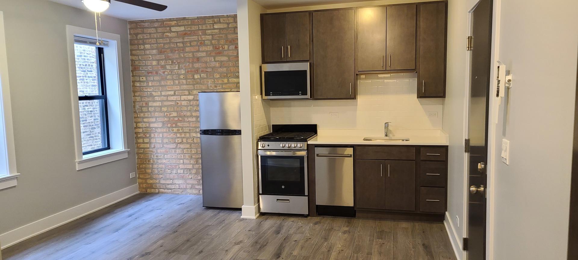 4069 N Kenmore Avenue 206