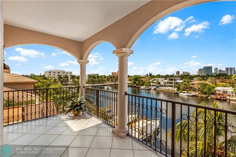 Enjoy wide waterway views & breathtaking sunsets from every room in this exquisite condo. Situated just off of Las Olas Blvd. taking full advantage of the S. Florida lifestyle. Within walking distance to restaurants, shopping, gyms, spas, parks, the water taxi, boating & Ft. Lauderdale Beach. Ideal for boating with deep water dockage available for rent. The bright floor plan with vol. ceilings, boasts multiple doorways integrating indoor & outdoor living spaces among 3 large waterside balconies. Ideal for today's lifestyle with a spacious great rm, wet bar, formal dining area & eat-in kitchen. The master suite with sitting area offers a custom walk-in closet & lavish bathrm. The 3rd bedroom is currently used as an office/den. 2 premium garage spots, pool/spa & gym. Sq ft believed accurate.
