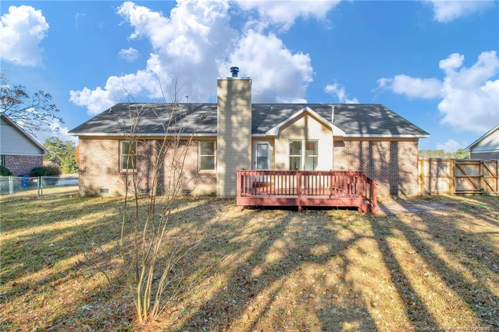 Beautiful Ranch-Style home features 3 Bedrooms and 2 Baths. Single garage. Formal dining room & eat-in area. Family room with fireplace and vaulted ceiling. Master bedroom with full bath & walk-in closet. Deck perfect for entertainment and large backyard waiting for you!