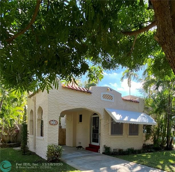 Delightful 2/1 pool home with separate spacious 1/1 studio that can be your home office during pandemic, an art studio, your private gym, a serene area for yoga, etc. AND it's a wonderful ROA zoning opportunity! One block from Andrews avenue downtown corridor, within blocks of both the new courthouse and the planned Federal Courthouse, Broward General hospital, walking distance to Whole Foods and Tap 42, and easy access to the Port and FLL international airport. This unique property is ideal for professional offices such as attorneys, architects, accountants, etc....  
