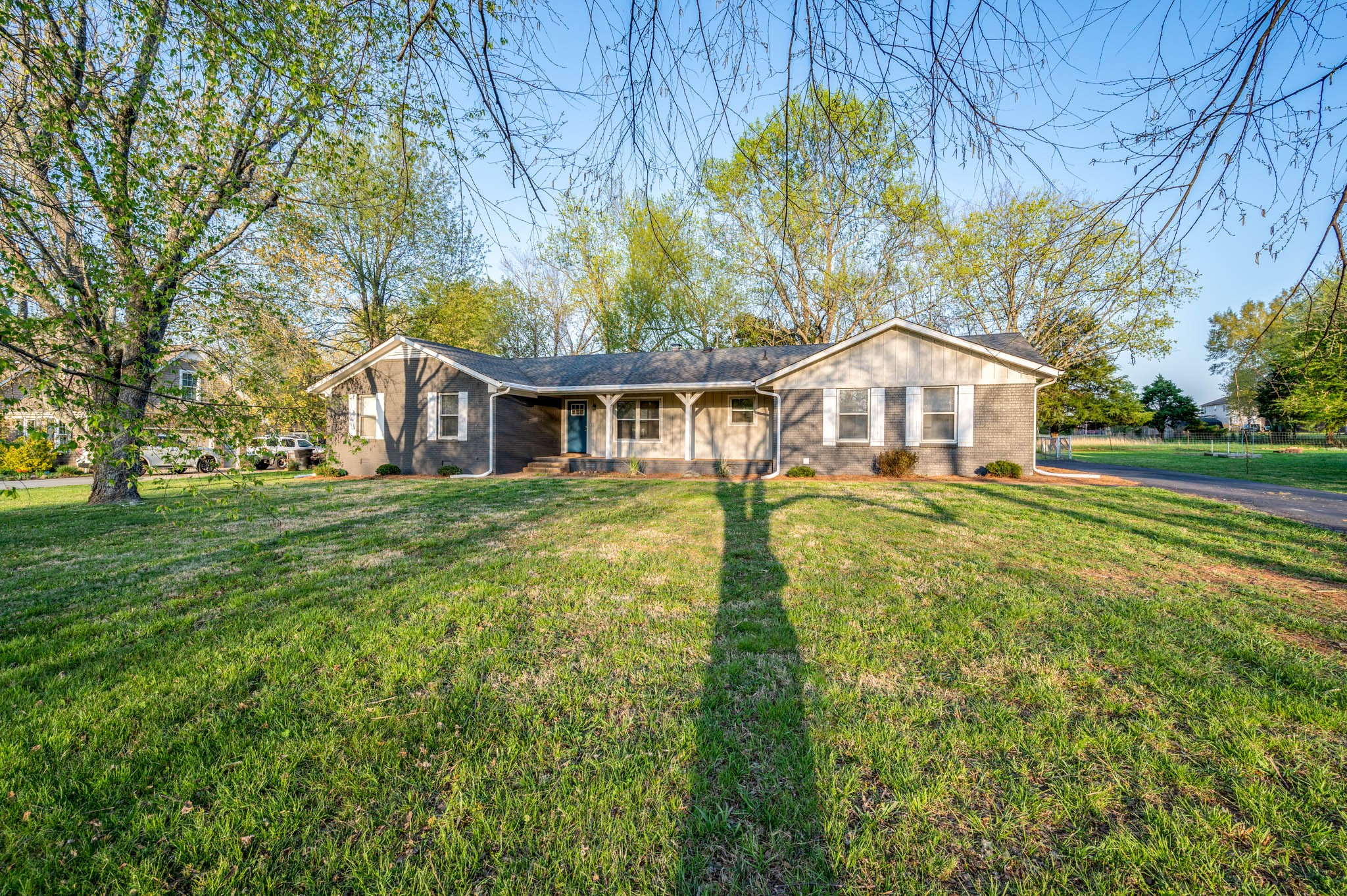 Fully Renovated brick ranch style home in a well established neighborhood.  This 3/2 home with over 2000 SqFt includes a massive bonus room! Modern rustic feel inside with  decorator grade finishes including brick fireplace, ceiling beams, granite counter tops, SS Appliances, new paint inside and out and much more!  This is a MUST SEE. Run dont walk, this one wont last long!  Ask about our Home Trade-IN program!