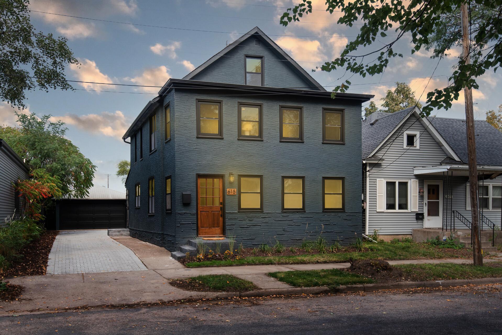 615 24th Avenue NE, Minneapolis, MN 55418