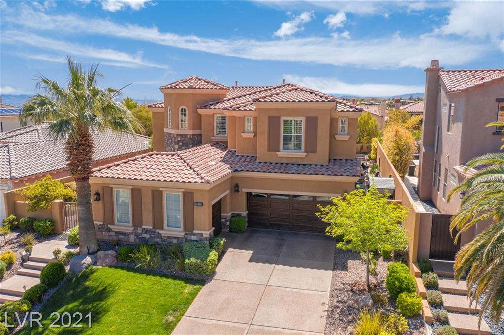 Rare Floorplan in Red Rock Country Club