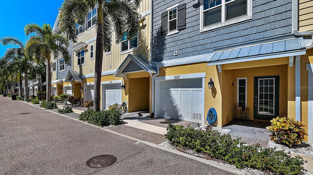 3107 Moorings Drive S, St Petersburg, FL 33712