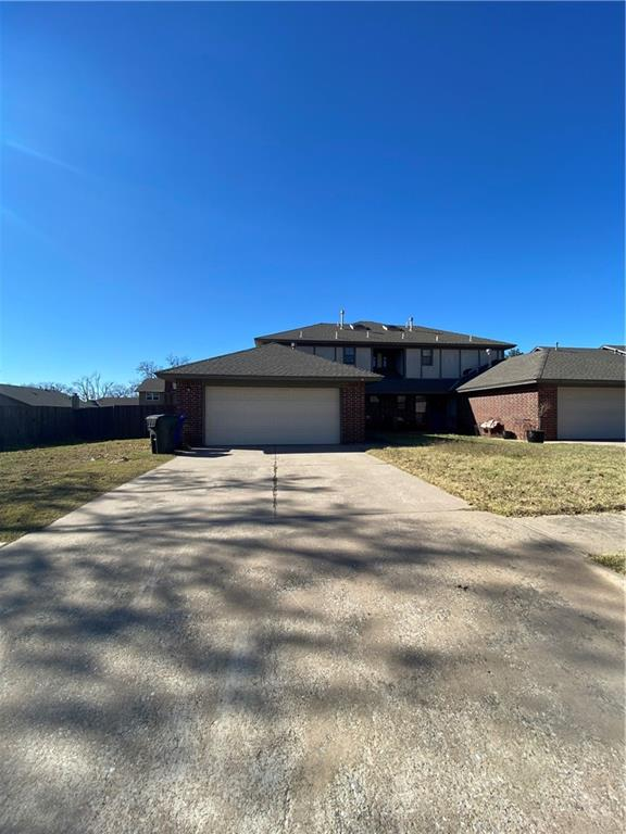 Investors look no further, large duplex for renters.  Great investment, 3 bedrooms 2 bathrooms on each side.  More pictures to come soon. MUST give minimum of 24 hour notice please call/text Andrea Dillard for more info. 405-517-9743