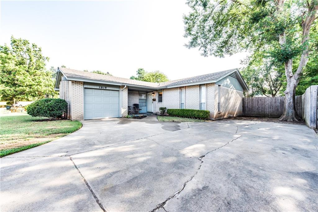 Cozy little 1,104 square foot home in Norman!! 3 bedrooms, 2 bathrooms, and 1 car garage! Living areas feature big windows that let that in plenty of sun light. Kitchen features tons of counter space and cabinetry. Primary bedroom has a half bathroom. Secondary bedrooms are a good size, one of them has built in shelving and storage.  Fresh paint and carpet throughout the home. Home is move in ready so book your showings fast!