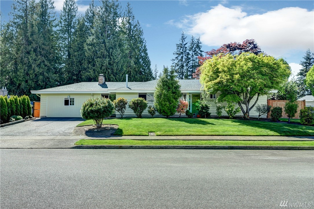 18700 42nd Place W, Lynnwood, WA 98037