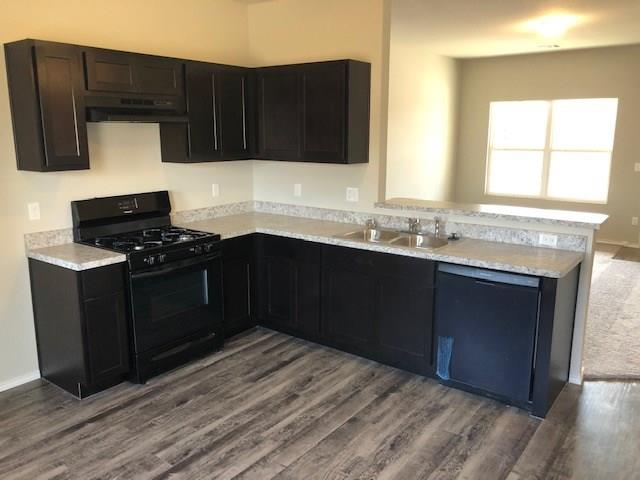 Come see this brand new home located in Mustang School District.  Cozy 3 bedroom home with mother-in-law style floor plan.  It is conveniently located close to I-40, Kilpatrick turnpike, shopping and restaurants.   Schedule your showing today of this Coleman floor plan!