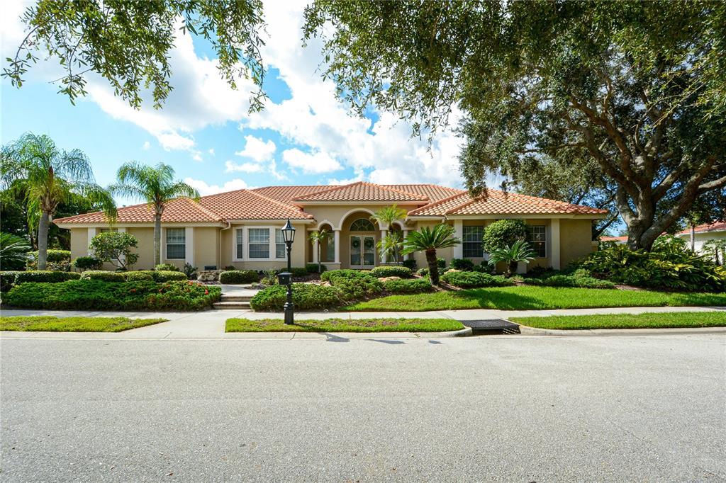 4186 Escondito Circle, Sarasota, FL 34238