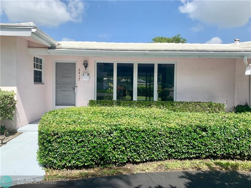FAB location in Coral Ridge with entrances to house both on Bayview and 27th Terrace making this a special property.  AC updated in 2015, Electric panel updated to meet current code in 2017- Was a vacation home for current owner over last 28 years and was lovingly  used only a  short period each year - Call me to view this cute property!