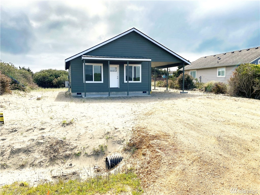 Beautiful brand new house in a great location close to the beach access where you can go surfing, kite flying, or clamming. This home has been built with quality and care and has two bedrooms and two bathrooms ready for you to move in. Home also has a heat pump and an awesome car port that would be great for parking a boat or RV. Modern kitchen and bath and everything else you will need.