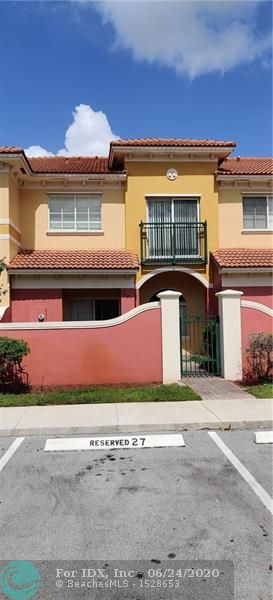 Spacious modern 2 beds/ 2.5 baths Townhouse in well desire family oriented Bella Vista Community. Freshly painted, tile on 1st floor and new top quality carpet on stairs and entire 2nd floor. 2 Master bedrooms upstairs , large closets,lovely modern kitchen with wood & granite counter top and lots of storage. Washer & Dyer, Townhouse has a lovely gated private courtyard. Community club house, playground and pool. Close to shopping , library, parks, public transportation and major highways