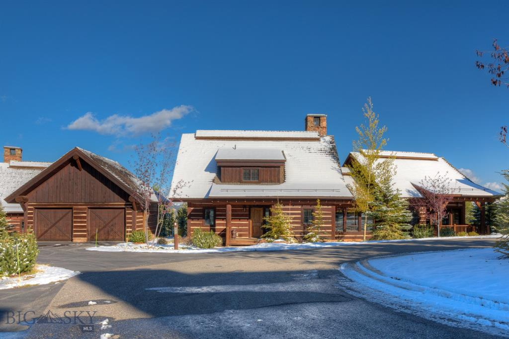 Located in the heart of Spanish Peaks Mountain Club, this four bed, four and a half bath cabin is perfect for year round visitors. This beautiful cabin is steps away from the new Montage Hotel and a short walk to the clubhouse and one of Montana's best golf courses. In the winter, you can throw on your skis at home and head out the back door to hop on the chair lift.