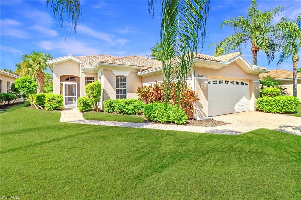 8657 Gleneagle Way, Naples, FL 34120