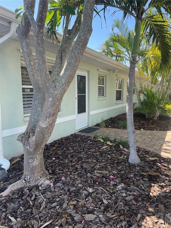 Nicely Updated Condo in Great Location. 1 Bed 1 Bath condo! Many upgrades like plantation shutters, can lighting, newer appliances and tiled backsplash, Custom lighting through out and an updated bathroom. Plenty of closet space. The pool are is nicely maintained and there are numerous parks and recreational areas nearby. Tennis courts are just across the street, as well as a nice public boat ramp. Bike or walk to sunset beach and many restaurants and bars. All measurements should be verified by the buyer or their agent.
