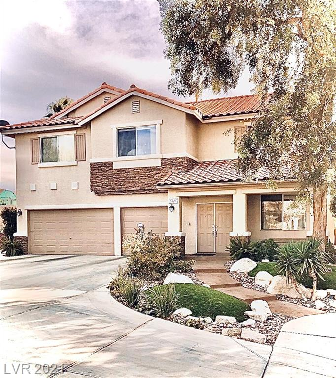 Home has been LOVED! Bright/comfy/upgraded/spotless/homey! 2980 sf, 4 BIG beds, formal din rm & liv room, PLUS a den & a mammouth loft (27x15). Enormous master ste (21x16) w/sunken tub, sep shower, double sinks & huge walk-in closet/dress rm. Vast priv lot@ end of cir. Stunning kit cab&granite. Bed & 3/4 bath down. Fruit trees, perm basketball hoop, RV parking, putting green, endless storage. Lush bkyard, cov patio. No HOA! RARE FIND!