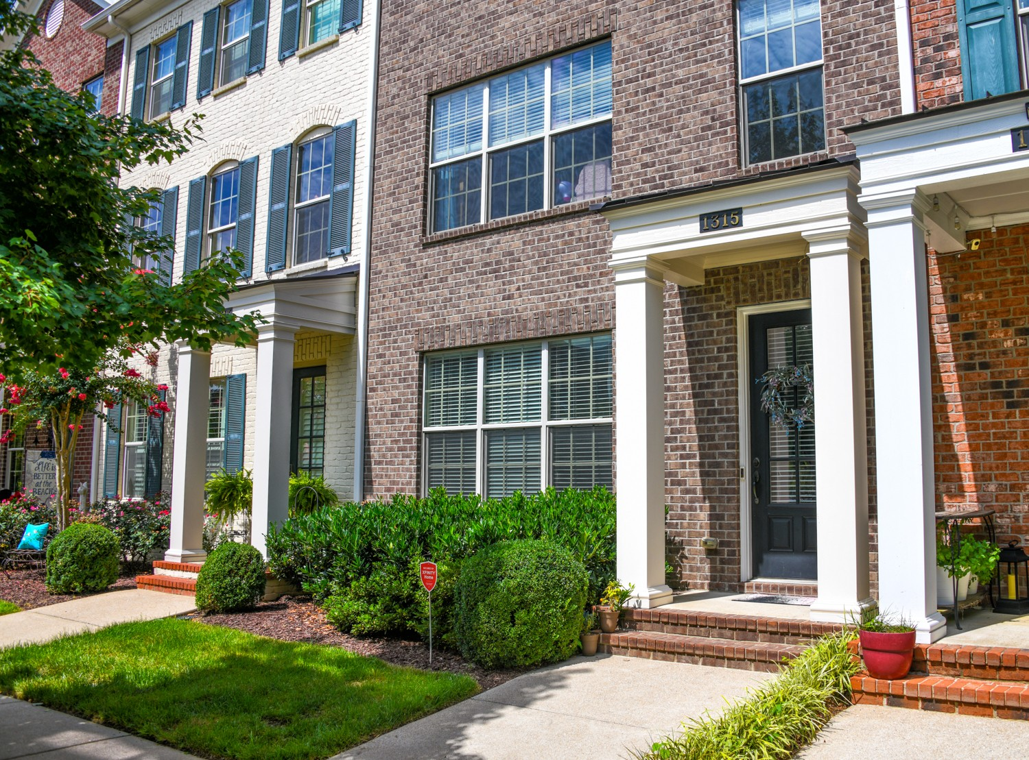 "AWESOME town home is highly sought Gateway Village. CONVENIENCE, AFFORDABLE AND WILLIAMSON COUNTY!!! Property is being sold ""as is"" by SIRVA Relocation, LLC. All offers must be submitted on seller forms.  Download forms from listing. ""Financing Incentives"" are available from SIRVA Mortgage Inc. including reduced rates, reduced closing costs and no-cost pre-qualification. Neither the use of SIRVA Mortgage, Inc. nor SIRVA Settlement, Inc. are a condition for buying this property."